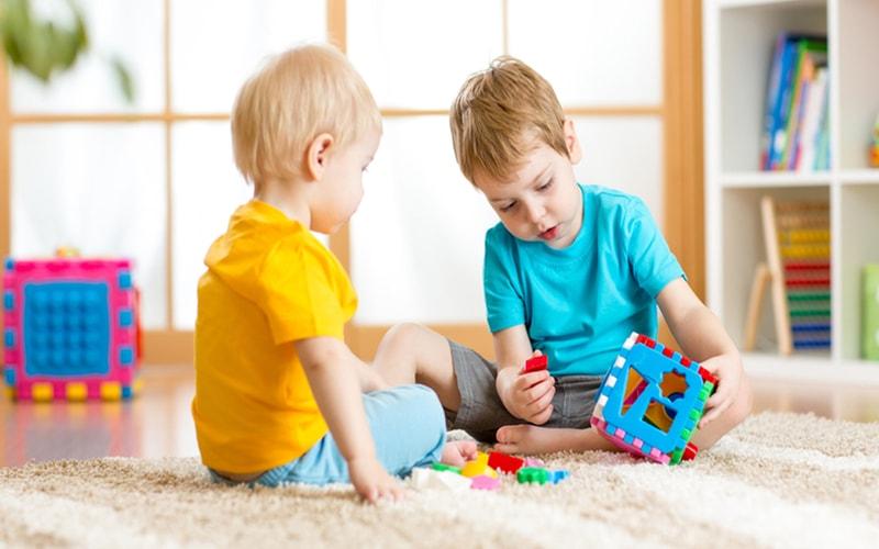Kriteria Memilih Mainan Edukasi Anak