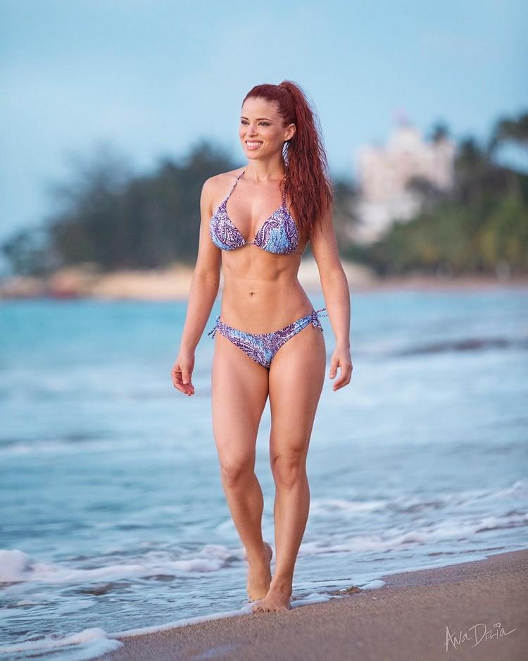 Ana Delia bikini model