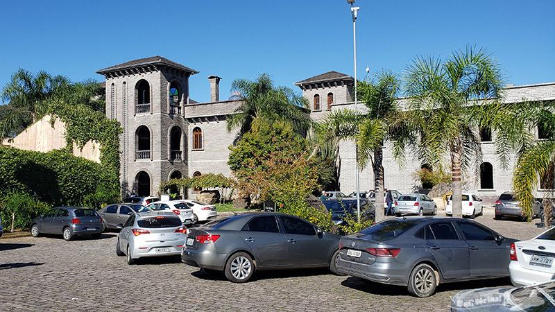 Estacionamento gratuito na Casa Valduga.