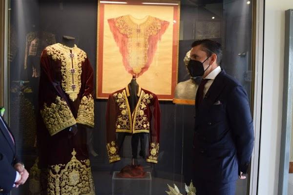 El rejoneador Diego Ventura dona un traje corto inspirado en una túnica del Señor de la Sentencia de Sevilla