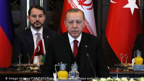 """""""Πονοκέφαλος"""" για τον Ερντογάν η υπόθεση Αλμπαϊράκ"""