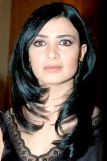 ماريا نالبنديان (Maria Nalbandian)، مغنية لبنانية