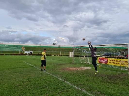 treino de goleiro de futebol