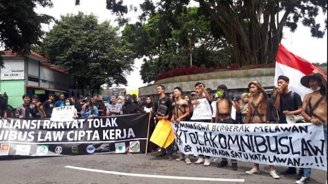 Besok, Buruh dan Mahasiswa di Semarang Turun ke Jalan Tolak UU Cipta Kerja
