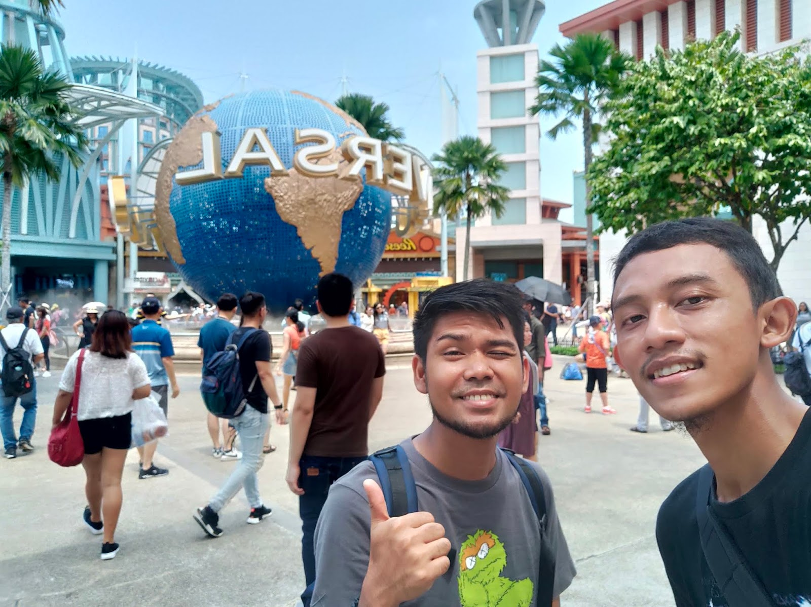 universal studio globe singapore