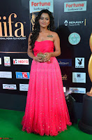 Sraddha in Sleeveless Off Shoulder Pink Dress at IIFA Utsavam Awards March 2017 022.JPG