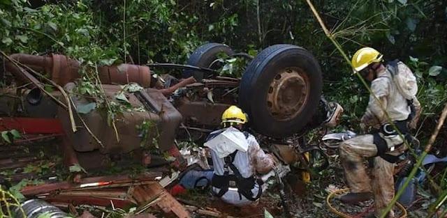 Motorista e ajudante morrem em grave acidente na BR-487