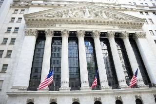 高配当や低ボラティリティをうたう投資信託は従来のインデックスファンドより好成績?(外国株)