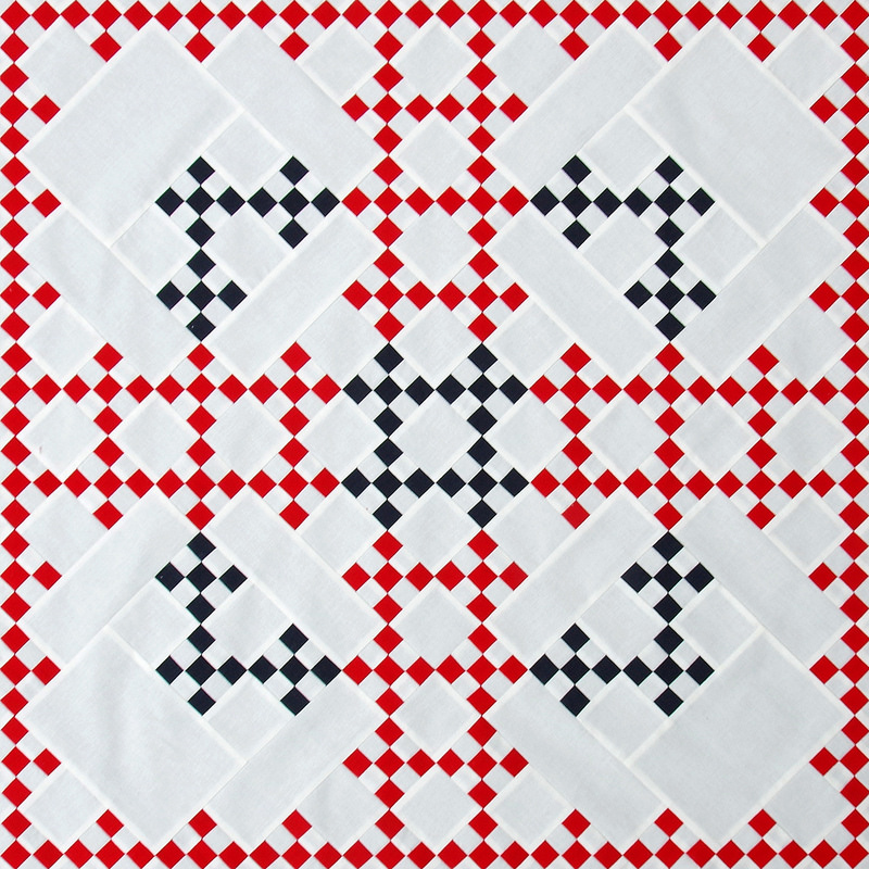 Red and White Double Irish Chain Quilt | © Red Pepper Quilts 2017