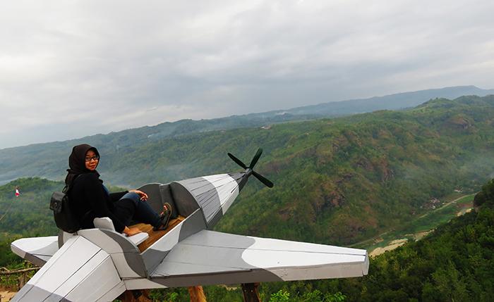 Spot Pesawat Jurang Tembelan