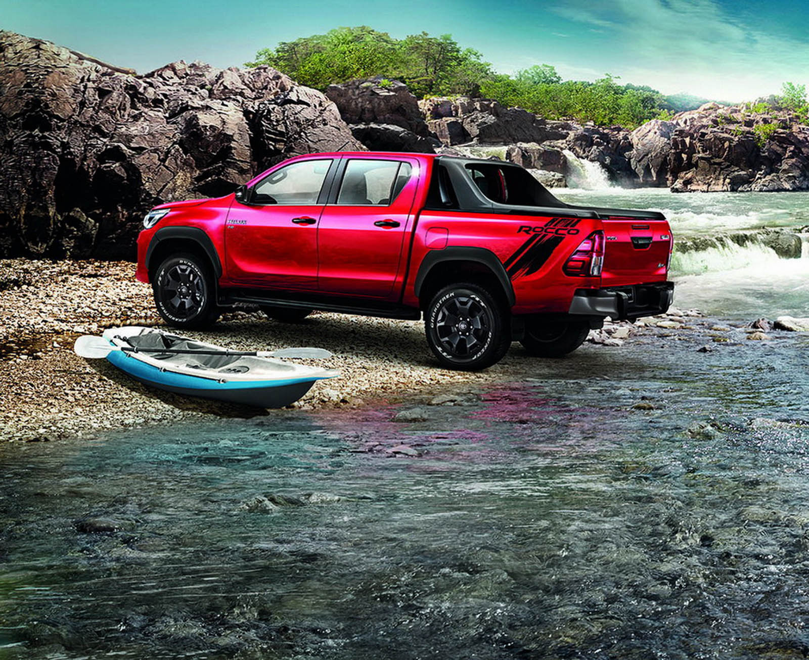 2017 Tundra Diesel >> Toyota Hilux Goes To Thailand For A Rugged Facelift ...