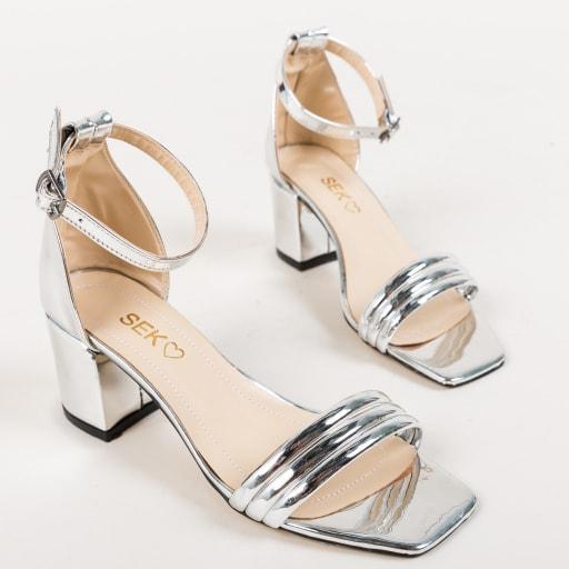 Sandale argintii cu toc gros si var patrat