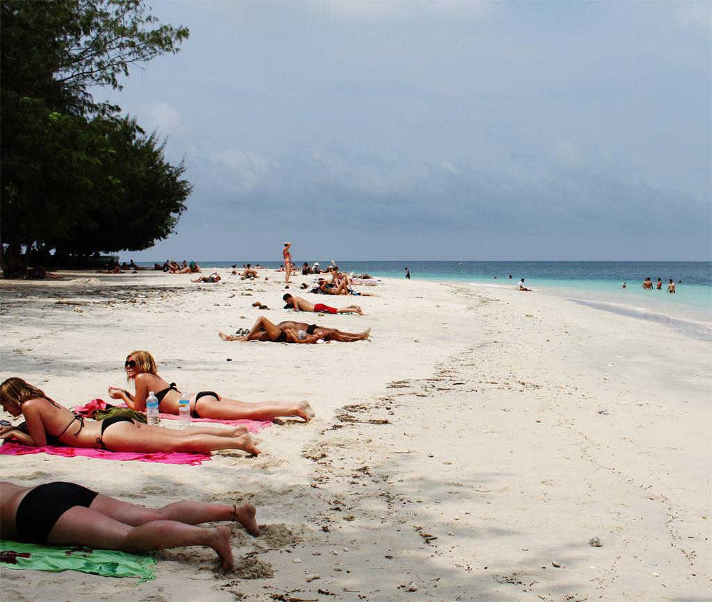 SOMPLAKISME: Visit Lombok Island