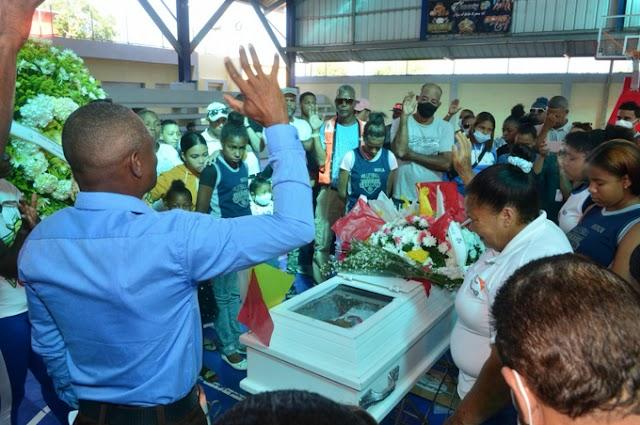 La niña de Moca dibujaba la Bandera cuando recibió el tiro mortal