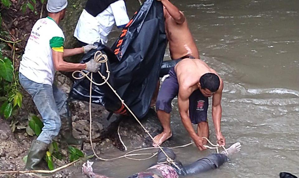 Evakuasi Jenazah korban longsor di Simalungun.
