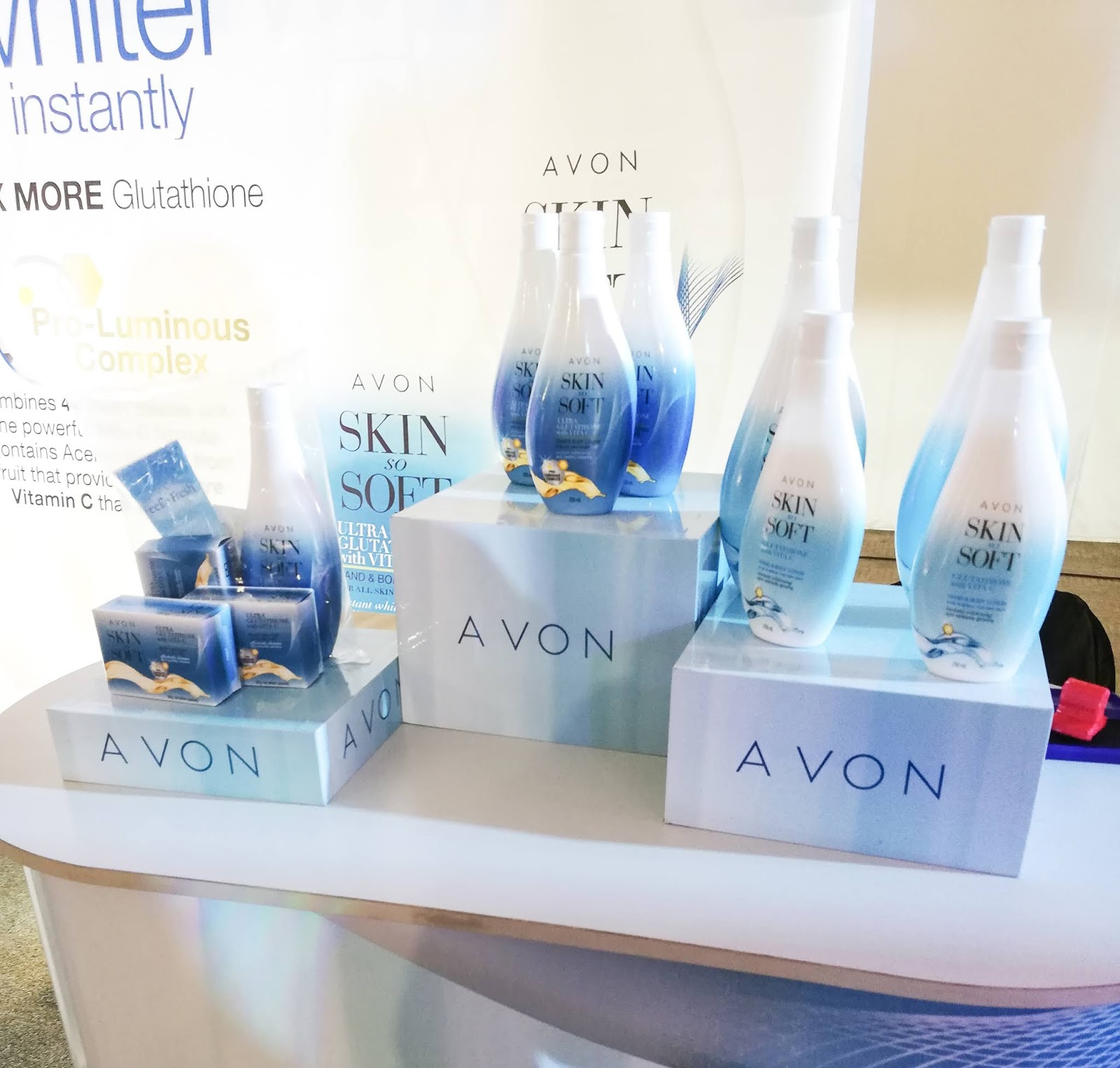 CELEBRATING 40 YEARS OF BEYOUTiFUL WITH AVON