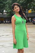 Poonam Kaur latest sizzling photos-thumbnail-15
