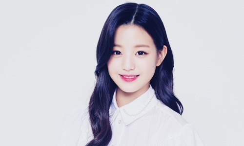 Biodata Jang Won Young Si Center Member Iz One Pelantun La Vie en Rose