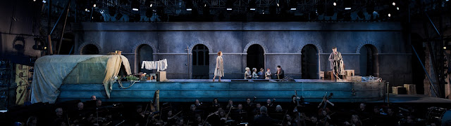 Puccini - Il Tabarro - Opera Holland Park - photo Robert Workman