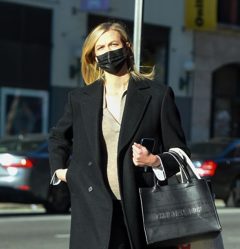 Karlie Kloss Clicked Outside  in New York 10 Dec-2020