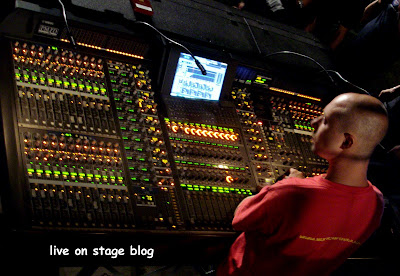 digital mixer Yamaha PM1D Front of House FOH live on stage