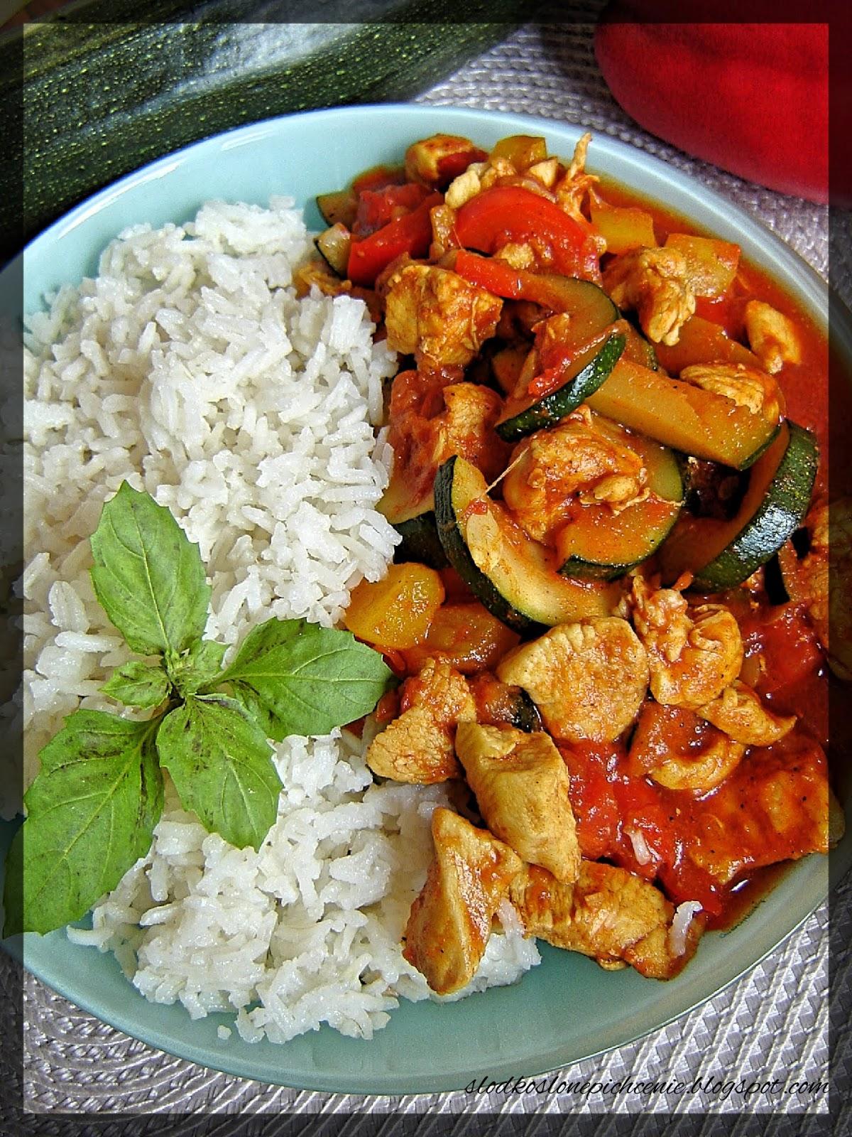 Kurczak z warzywami i ryżem