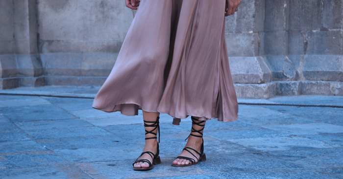 maxi skirt and sandals