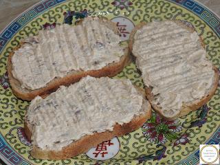 Salata de icre cu peste afumat pe paine reteta,