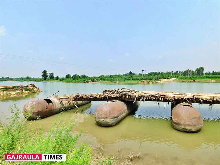 ganga-river-pantoon-bridges-photos