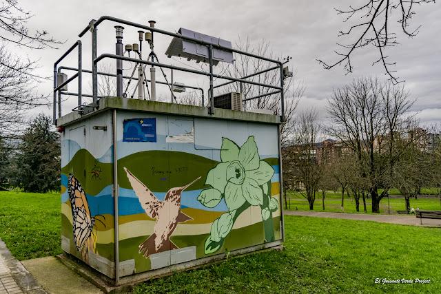 Mural Caseta Aire Parque Europa, Eva Mena - Bilbao, por El Guisante Verde Project