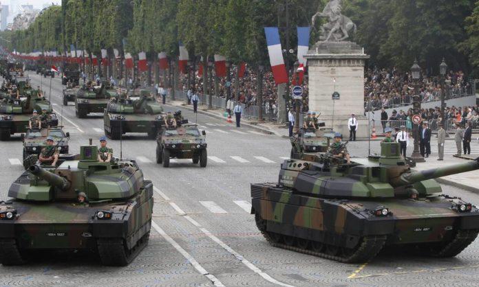 Ο γαλλικός στρατός ετοιμάζεται για γενικευμένο πόλεμο