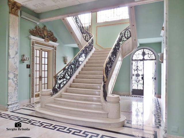Palacete Violeta (Escadaria central - vista lateral)