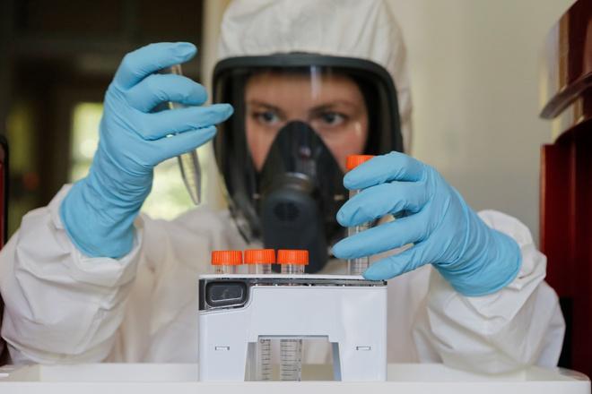 Lợi thế giúp Nga cán đích sớm trong cuộc đua vaccine Covid-19