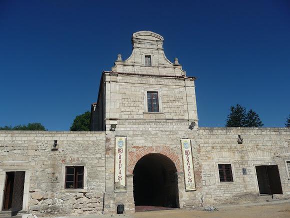 Збараж. Крепость. Въездная башня