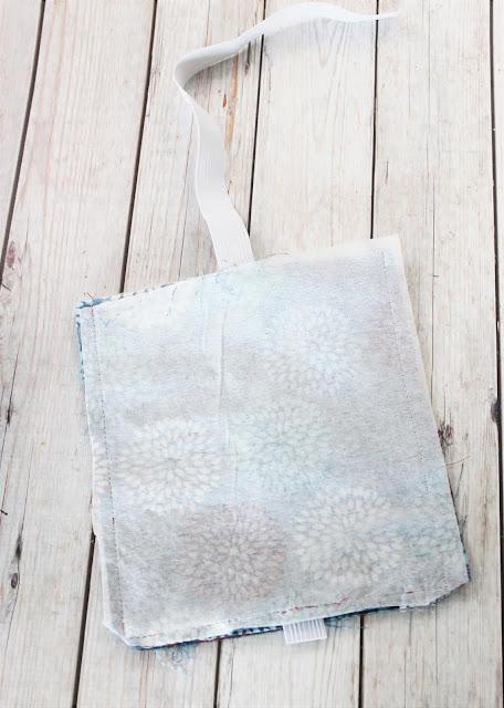 elastic zipper pouch