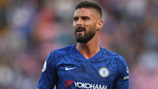 Chelsea willing to listen to offers for Giroud after Roma approach