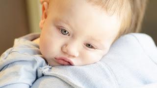 penyebab bayi mual dan muntah
