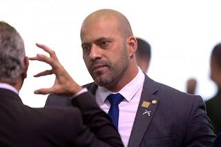 PSL inicia processo contra Daniel Silveira