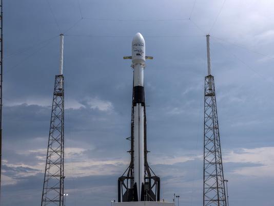 SpaceX запустила в космос ракету, яка роздаватиме Wi-Fi