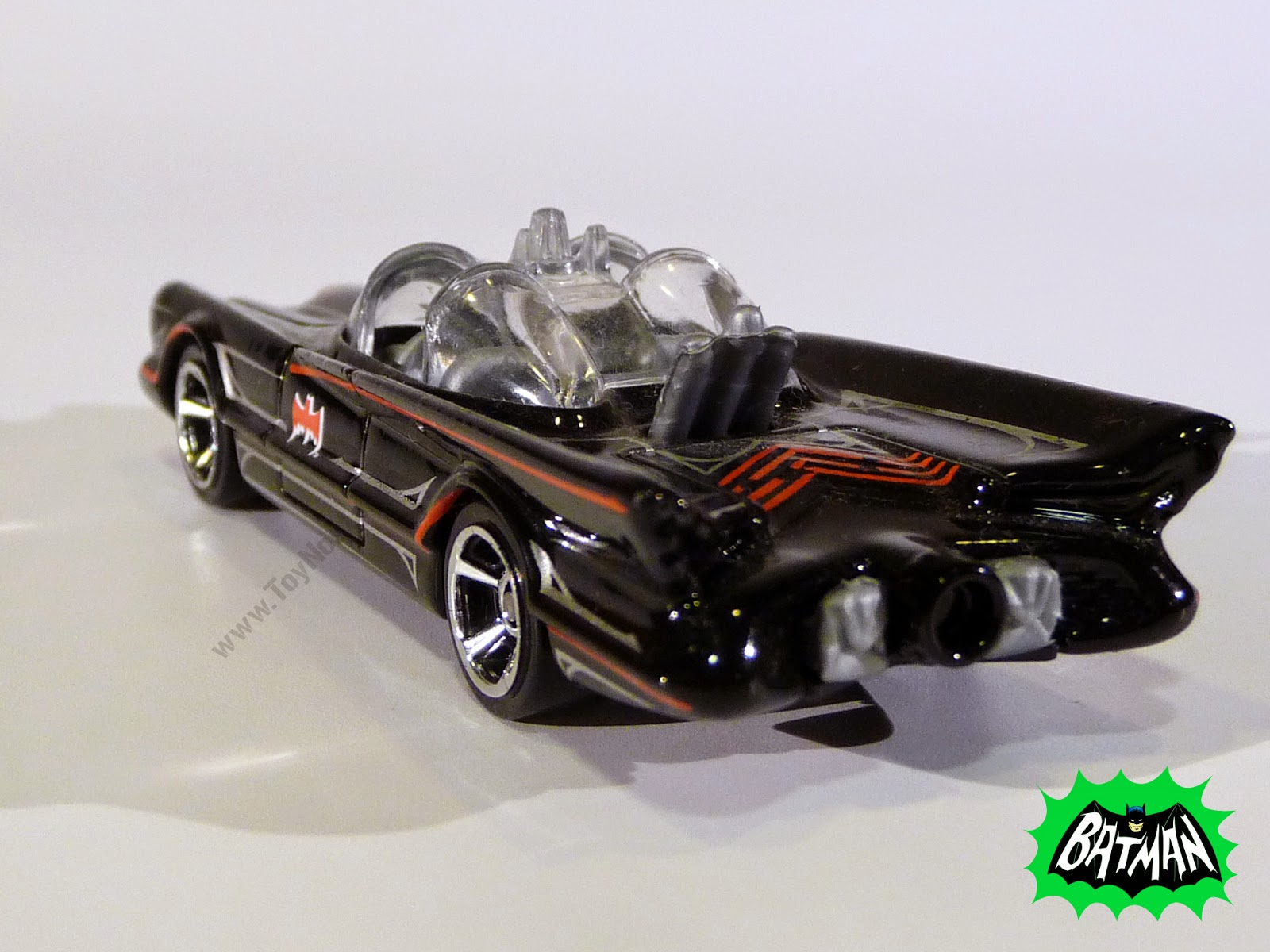 Hot Wheels Batman Batmóvil 1966 TV Show 1:64 (2013)