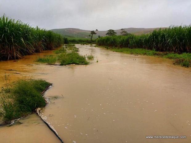 Chuva inunda unidade da Compesa e deixa Porto de Galinhas, Muro Alto e Maracaípe sem água