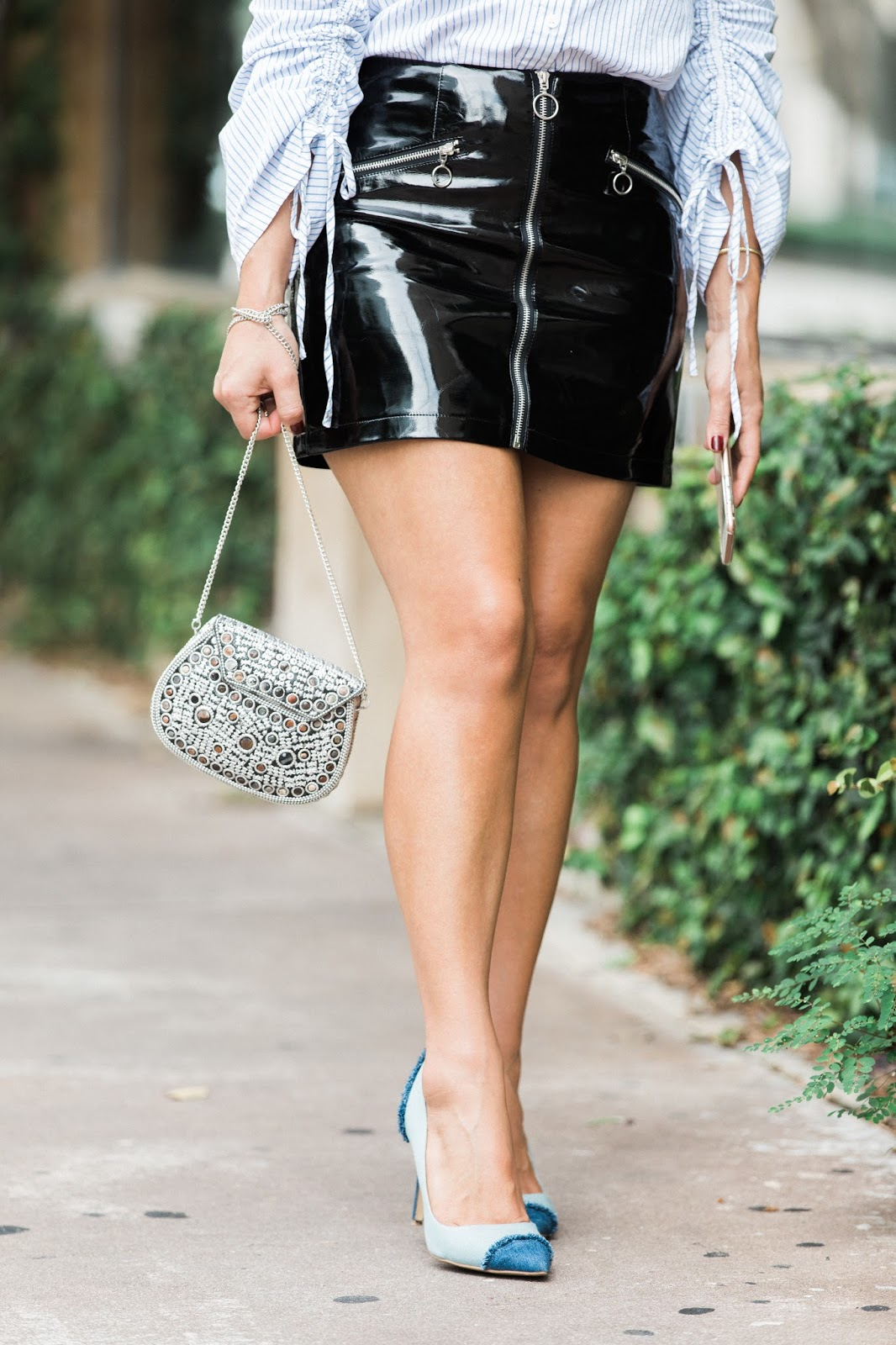 fall-outfits-patent-leather-skirt