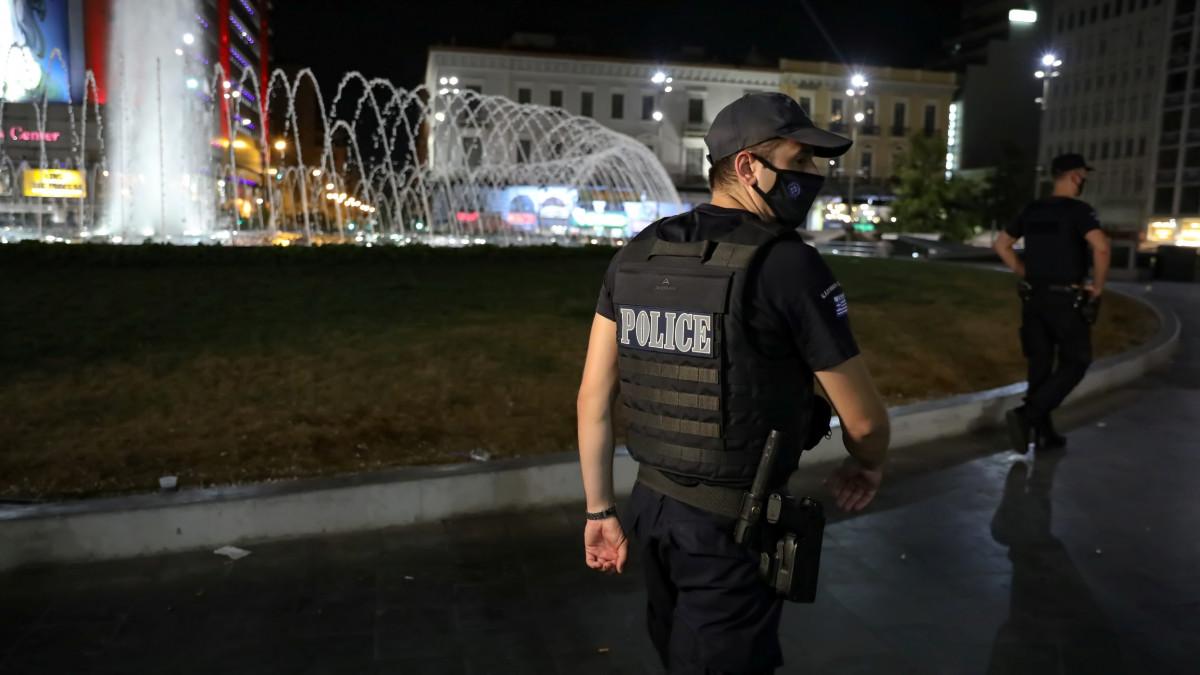 Προς απαγόρευση κυκλοφορίας τη νύχτα – Τα μέτρα που εξετάζονται για τις πλατείες