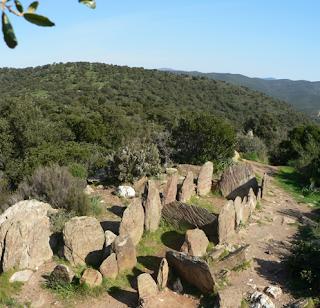 Dolmen Gaoutabry Var randonnée marche a pied nature