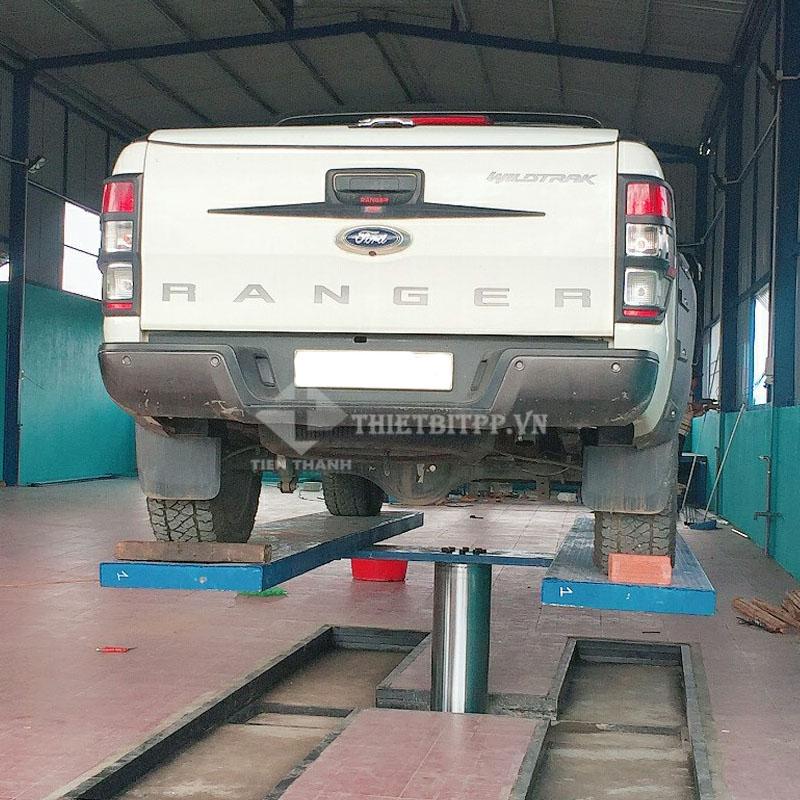 cầu nâng rửa xe ô tô giá rẻ, cầu nâng 1 trụ thủy lực, cầu nâng 1 trụ rửa xe ô tô âm nền
