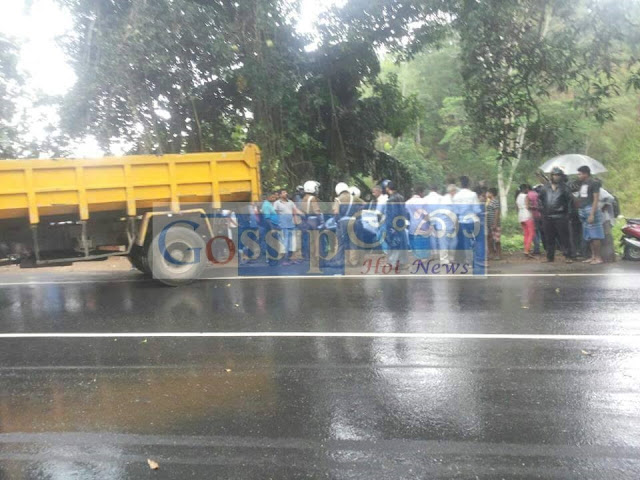 Woman dies after being hit by lorry in Gampola