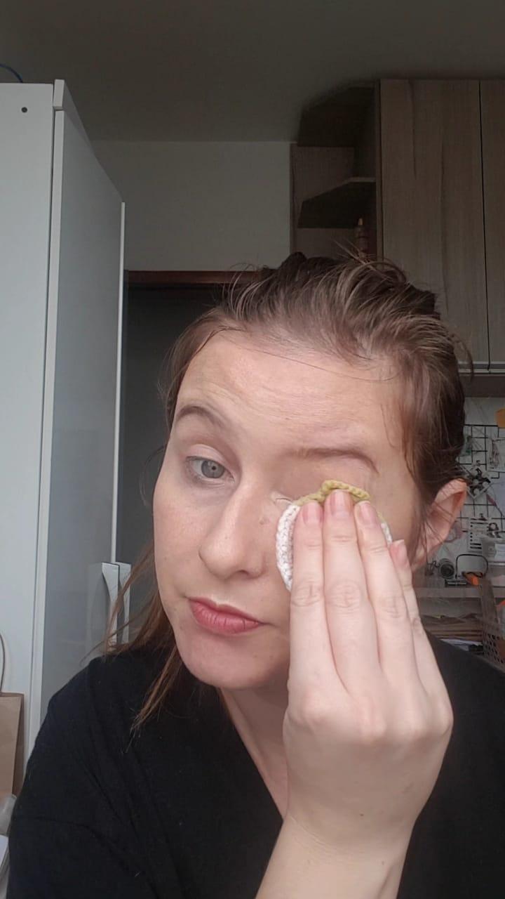 limpar a pele com oleo vegetal