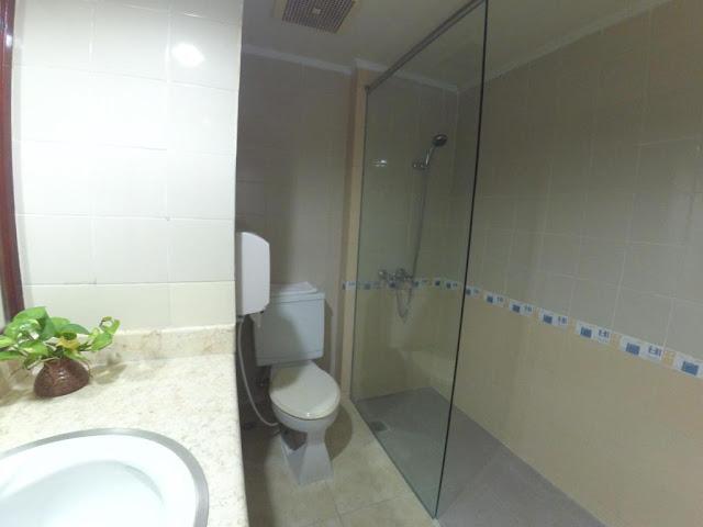 kamar mandi di hotel purwokerto