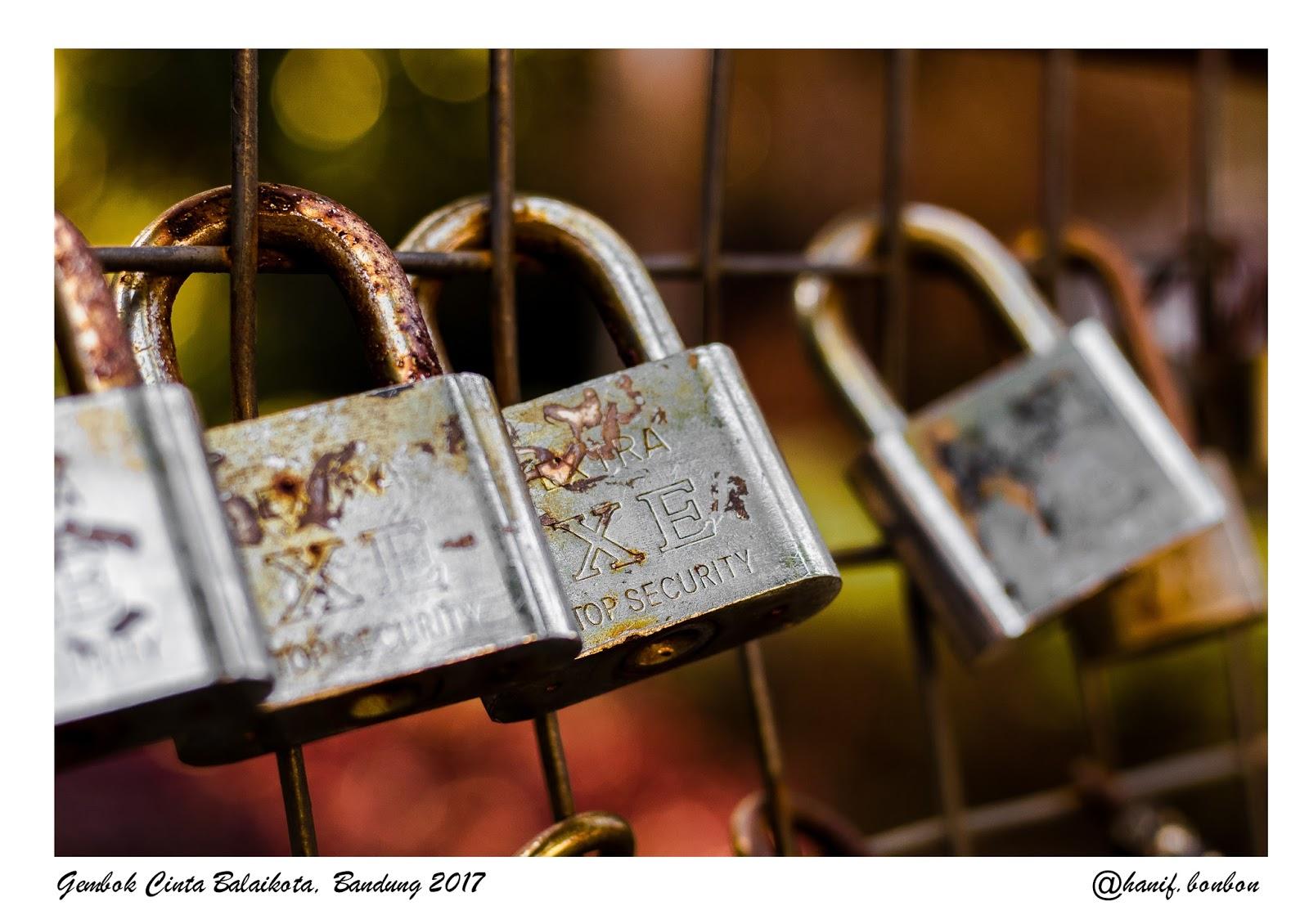 Belajar Dari Gembok Cinta Taman Balaikota Bandung