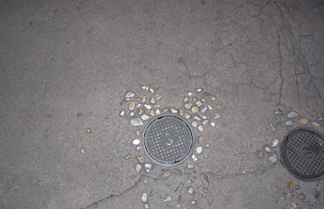 Hidden Mickeys no chão